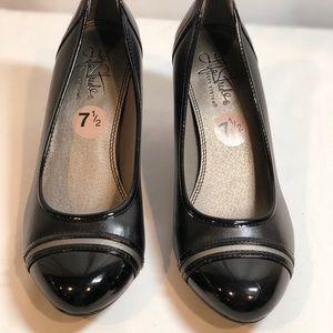 NEW Life Stride Black Heels Size 7.5